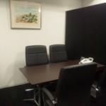 事務所の会議室です